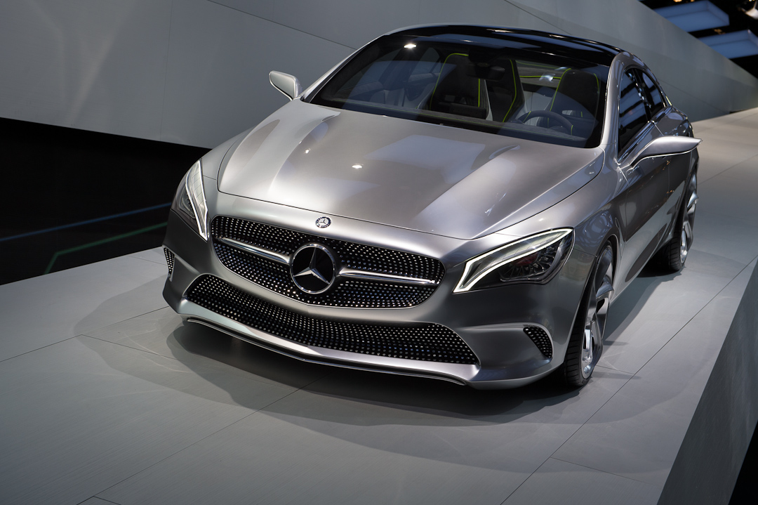 2012-mercedes-benz-design-style-coupe-cla-c117-paris-005