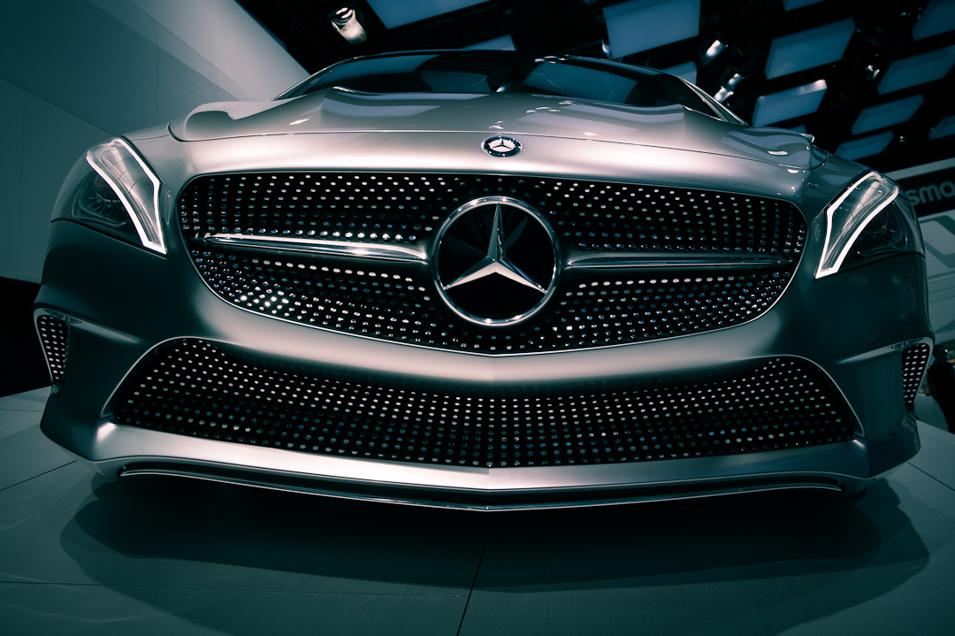 2012-mercedes-benz-design-style-coupe-cla-c117-paris-006