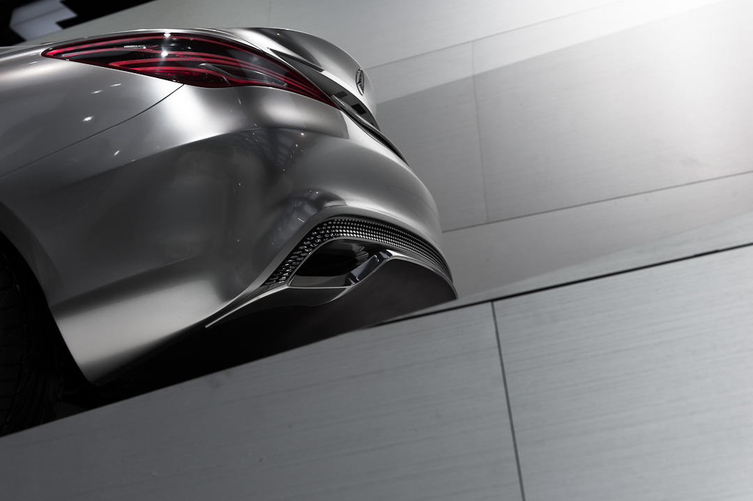 2012-mercedes-benz-design-style-coupe-cla-c117-paris-012