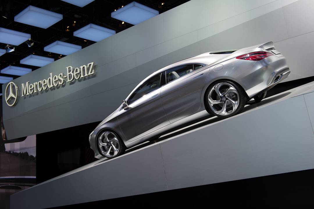 2012-mercedes-benz-design-style-coupe-cla-c117-paris-014