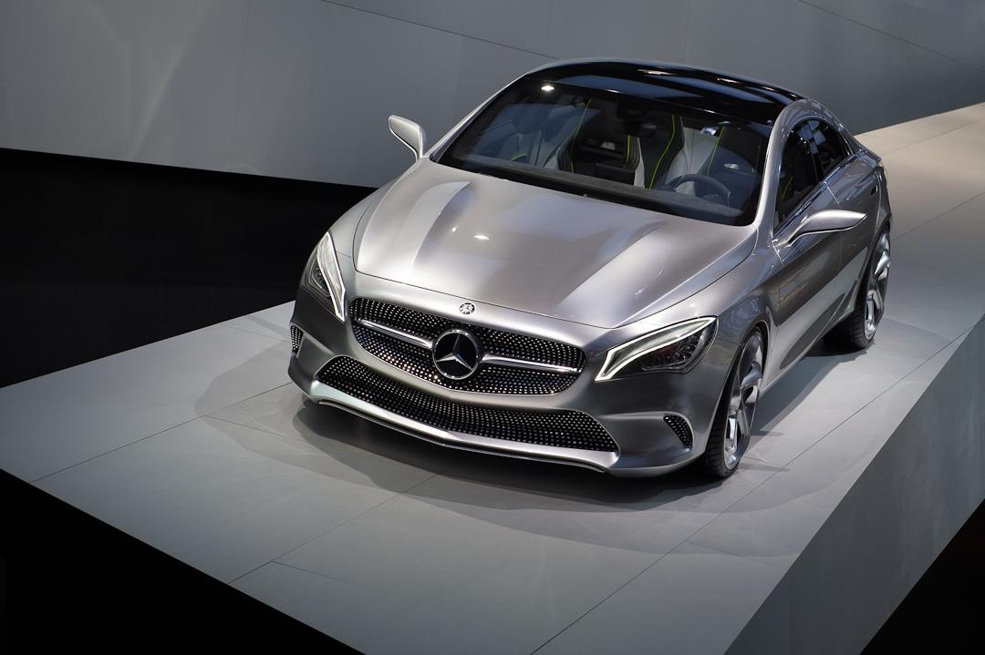 2012-mercedes-benz-design-style-coupe-cla-c117-paris-004