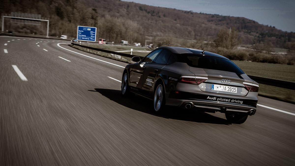 2015-pilotiertes-fahren-audi-a7-jack-autobahn-a9-04.jpg