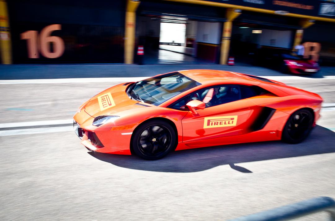 2012-lamborghini-aventador-with-pirelli-p-zero-03