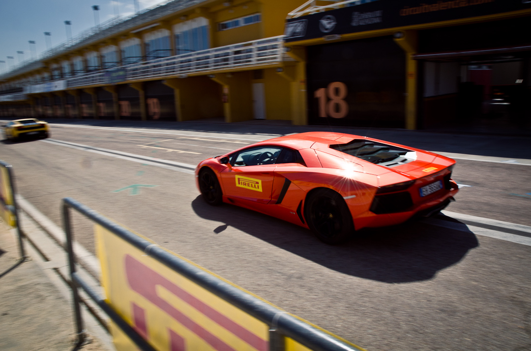 2012-lamborghini-aventador-with-pirelli-p-zero-04