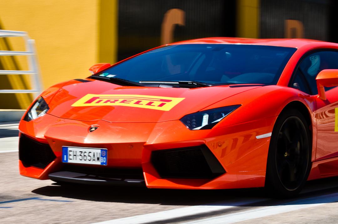2012-lamborghini-aventador-with-pirelli-p-zero-06