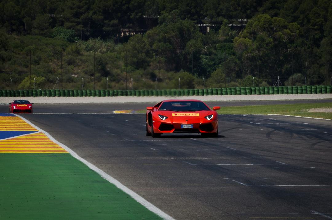2012-lamborghini-aventador-with-pirelli-p-zero-07
