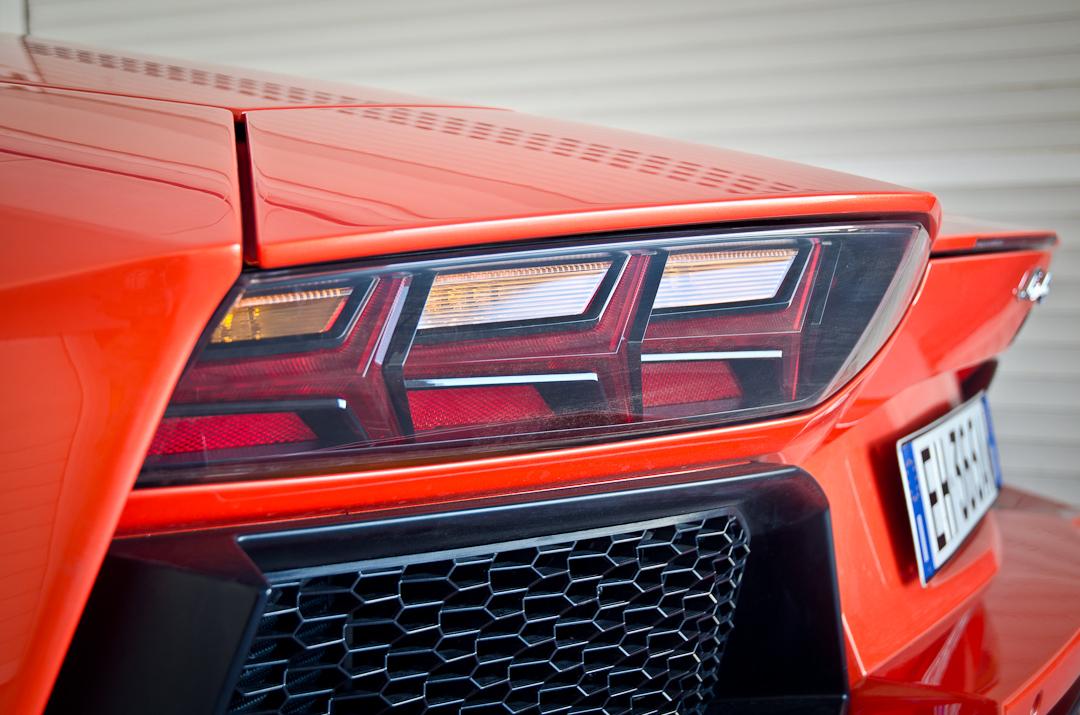 2012-lamborghini-aventador-with-pirelli-p-zero-12