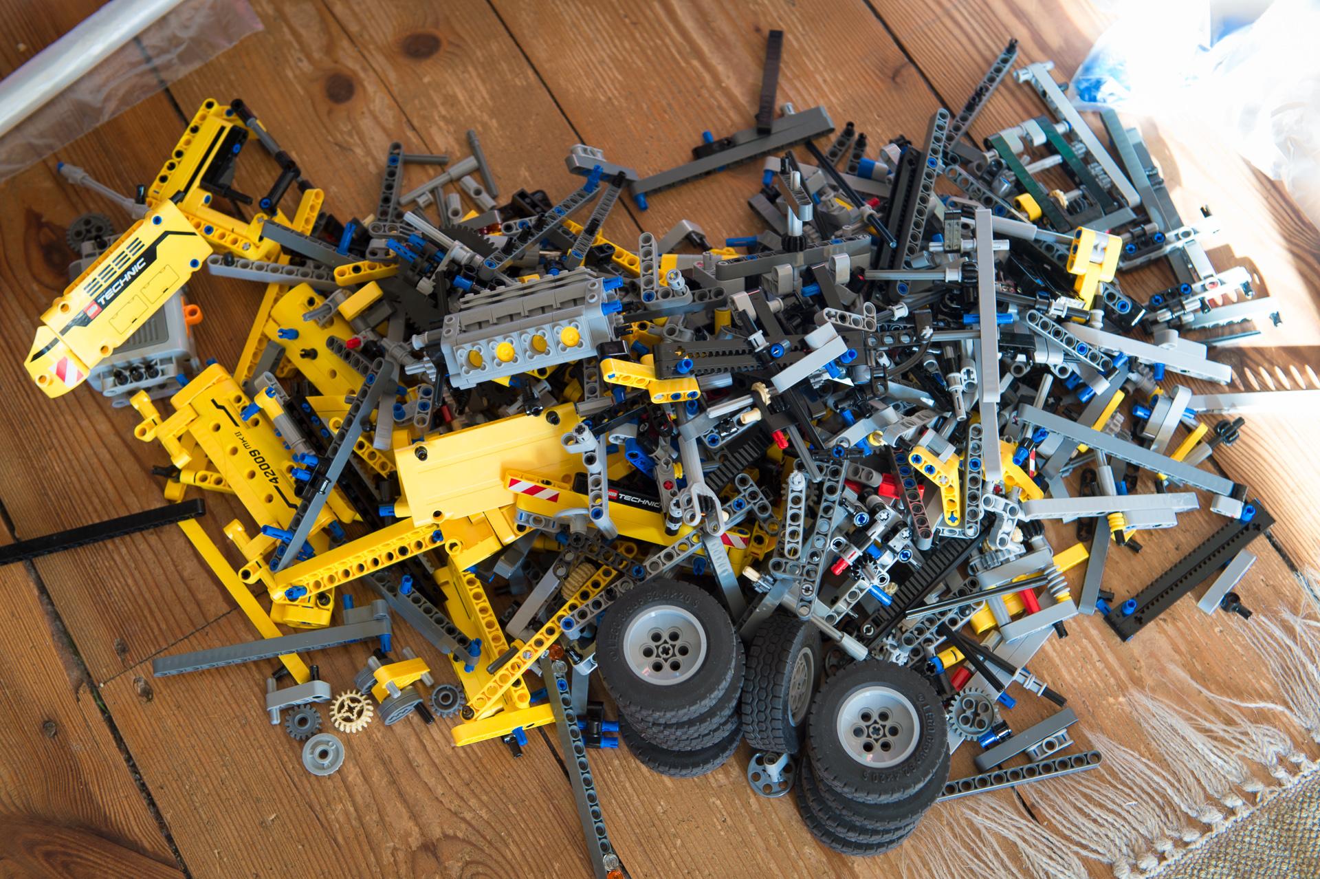 zusammengebaut und verloren mobiler schwerlastkran von lego technic 42009 auto geil. Black Bedroom Furniture Sets. Home Design Ideas