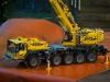lego-technic-42009-mobiler-schwerlastkran-zusammengebaut-13