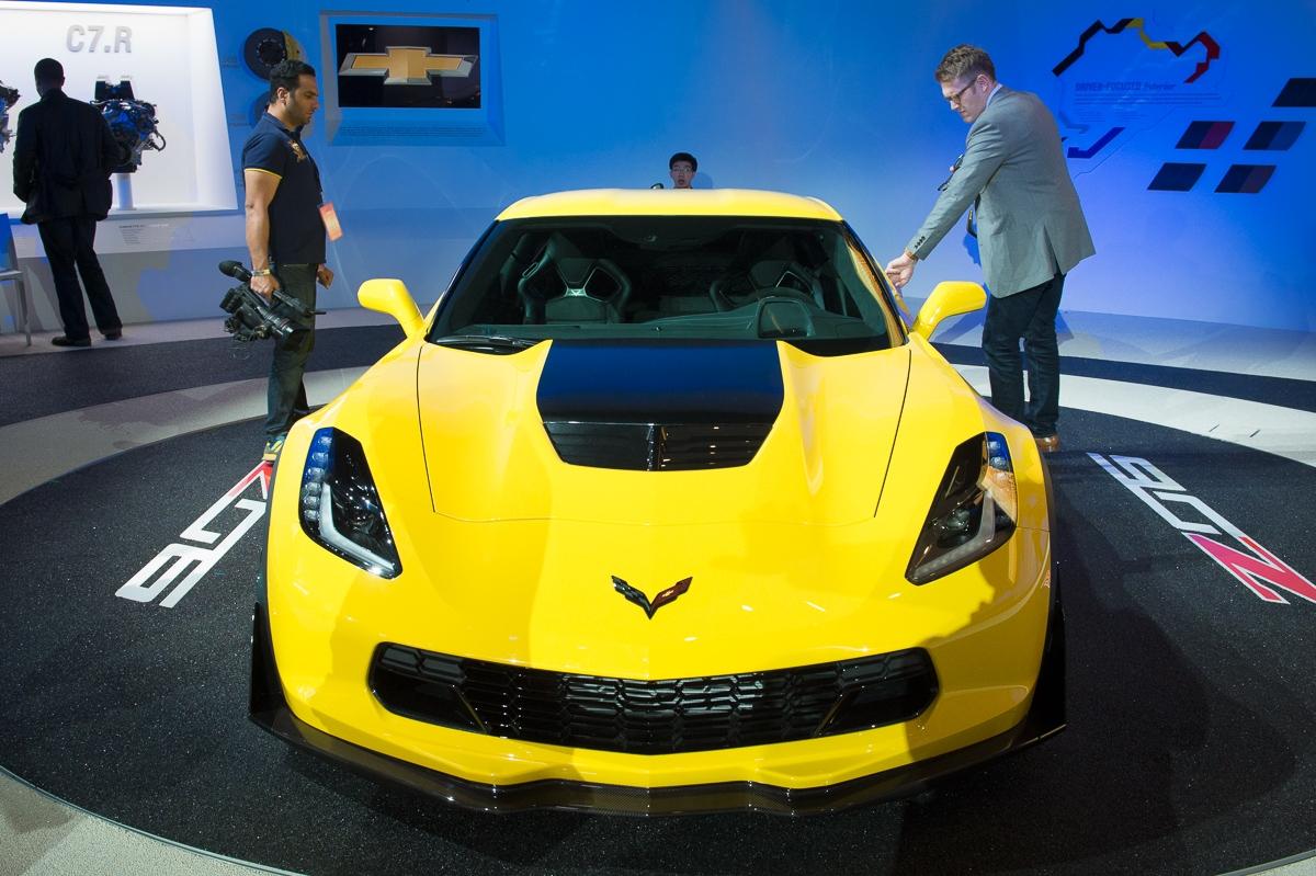 naias-2014-corvette-z06-gelb-chevrolet-05
