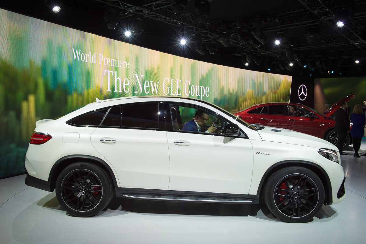 2015-Mercedes-AMG-GLE-63-Coupe-4MATIC-weiss-weltpremiere-detroit-03