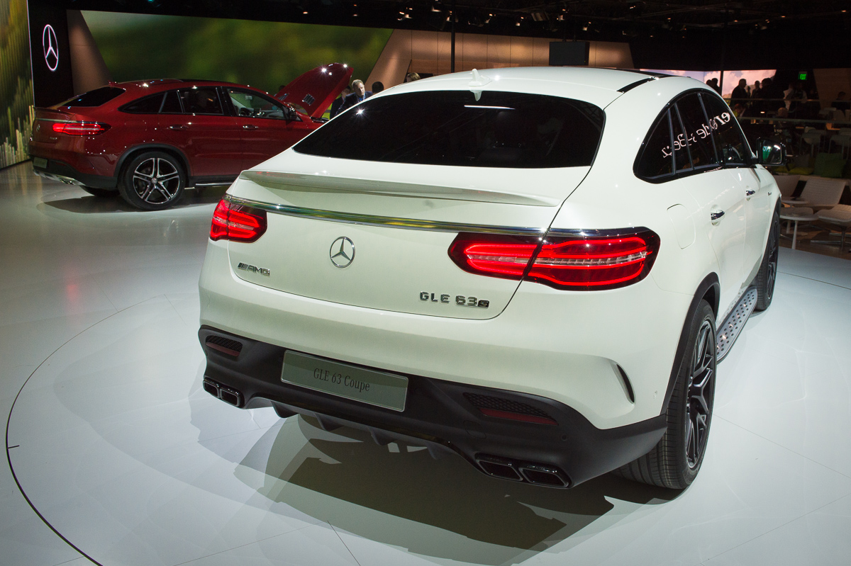 2015-Mercedes-AMG-GLE-63-Coupe-4MATIC-weiss-weltpremiere-detroit-04
