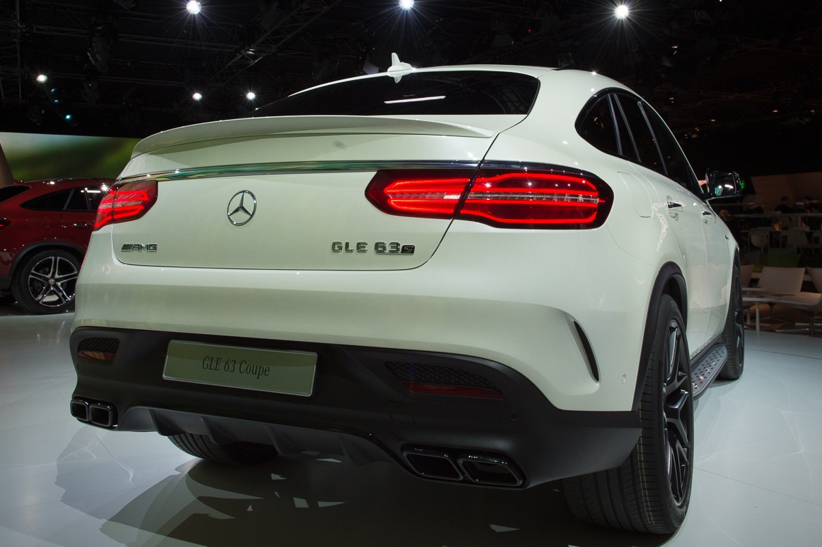 2015-Mercedes-AMG-GLE-63-Coupe-4MATIC-weiss-weltpremiere-detroit-05
