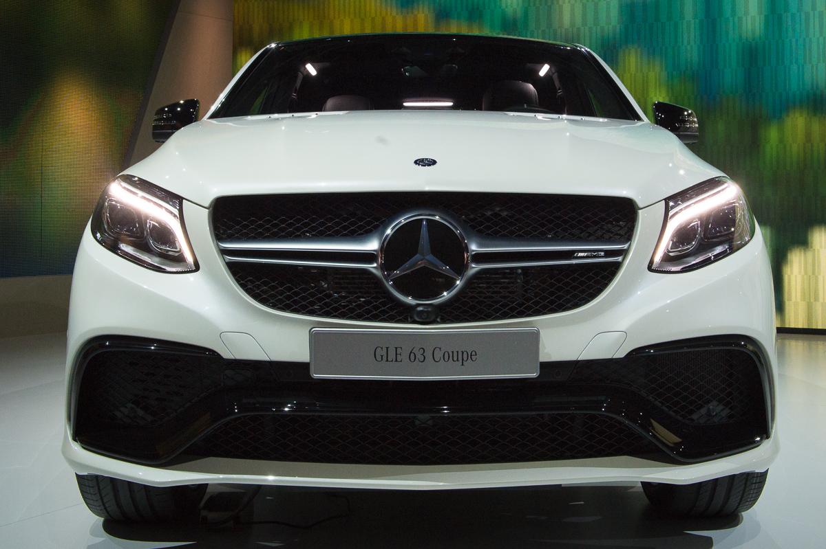 2015-Mercedes-AMG-GLE-63-Coupe-4MATIC-weiss-weltpremiere-detroit-19
