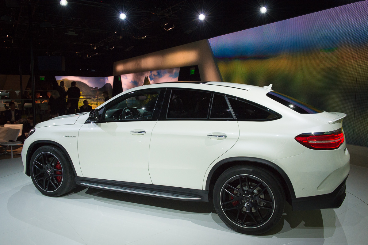 2015-Mercedes-AMG-GLE-63-Coupe-4MATIC-weiss-weltpremiere-detroit-23