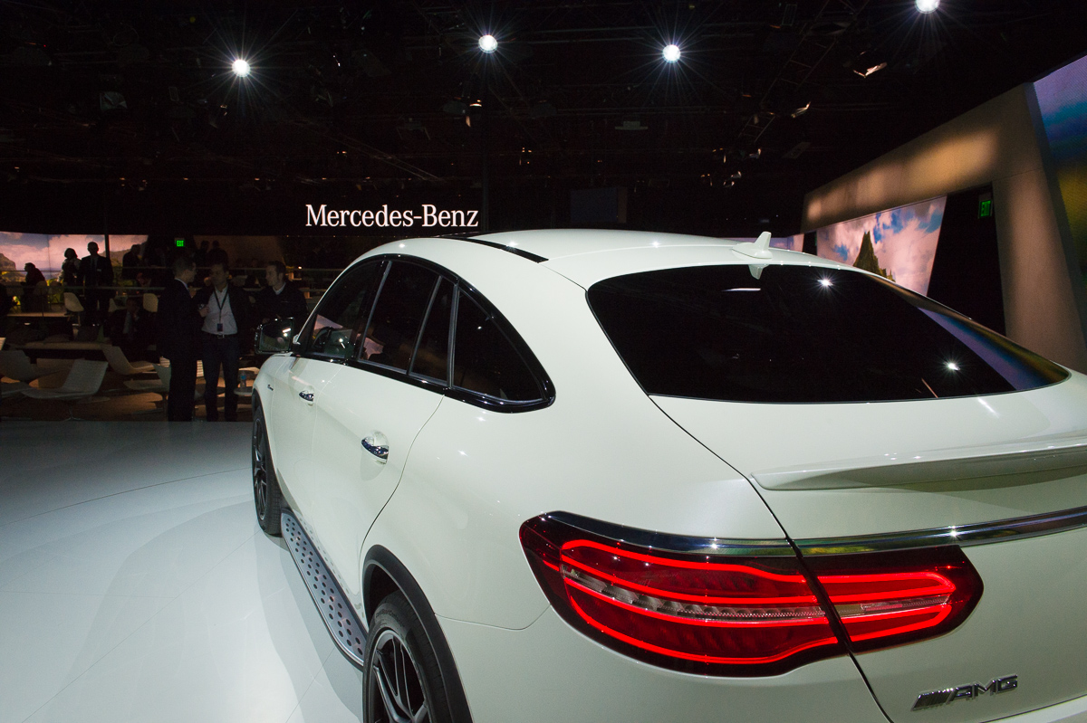 2015-Mercedes-AMG-GLE-63-Coupe-4MATIC-weiss-weltpremiere-detroit-24