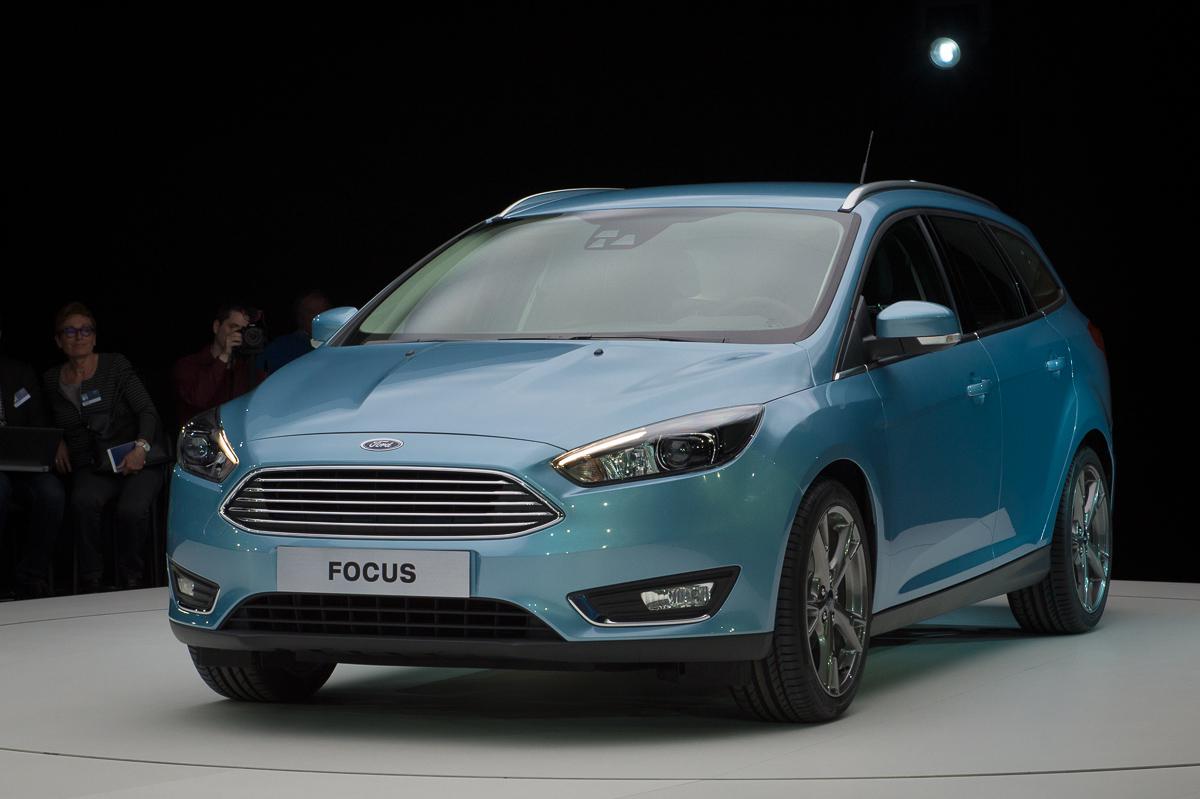 2014-weltpremiere-ford-focus-blau-04