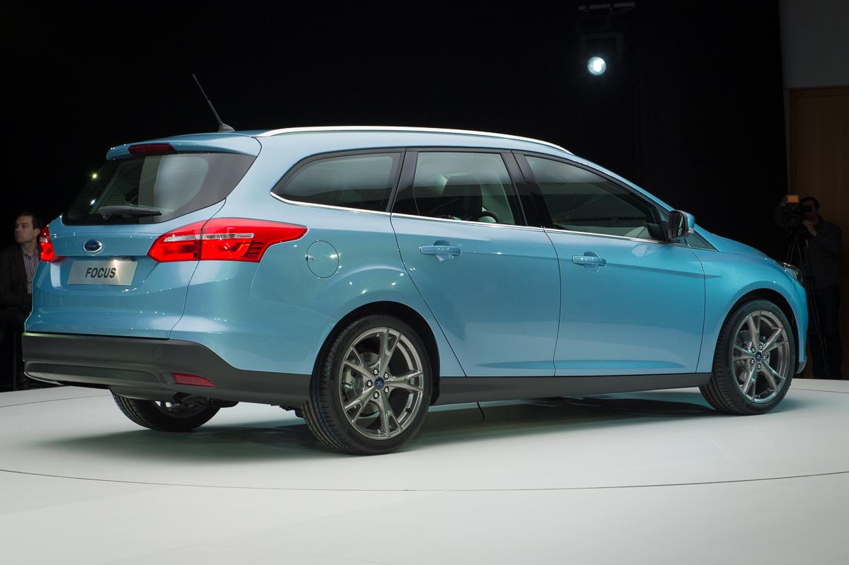 2014-weltpremiere-ford-focus-blau-15