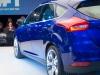 2014-weltpremiere-ford-focus-blau-34