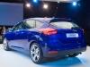 2014-weltpremiere-ford-focus-blau-36