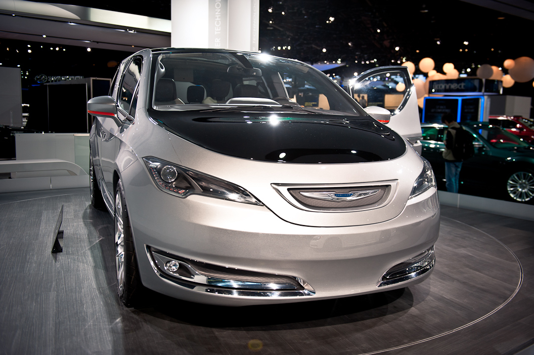 naias2012-chrysler-700c-studie-van-1