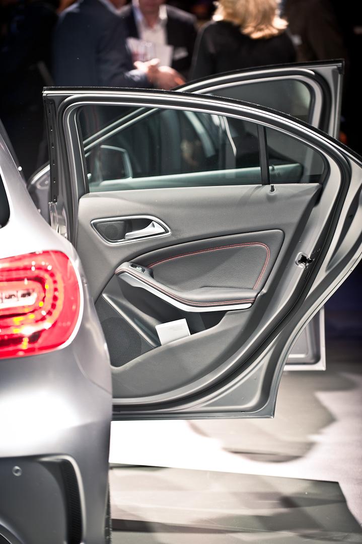 Mercedes-Benz-A-Klasse-W176-Auto-Salon-Genf-Weltpremiere-014