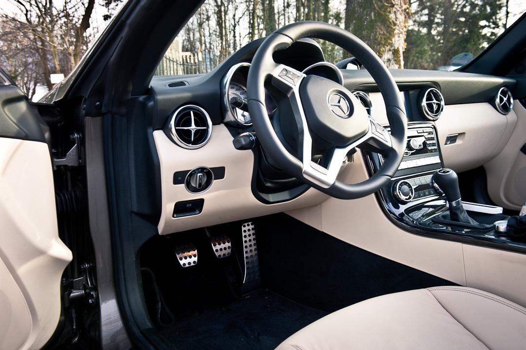 Mercedes-Benz-SLK-200-R172011