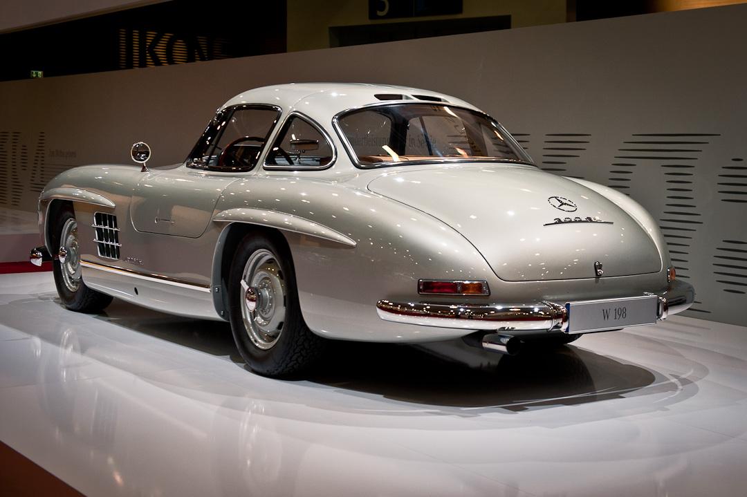 Mercedes-Benz-Stand-2012-techno-classica-essen-026
