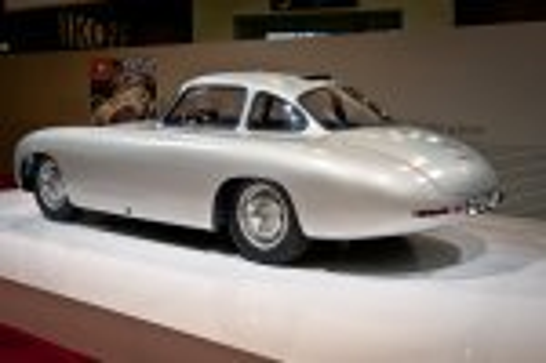 Mercedes-Benz-Stand-2012-techno-classica-essen-032