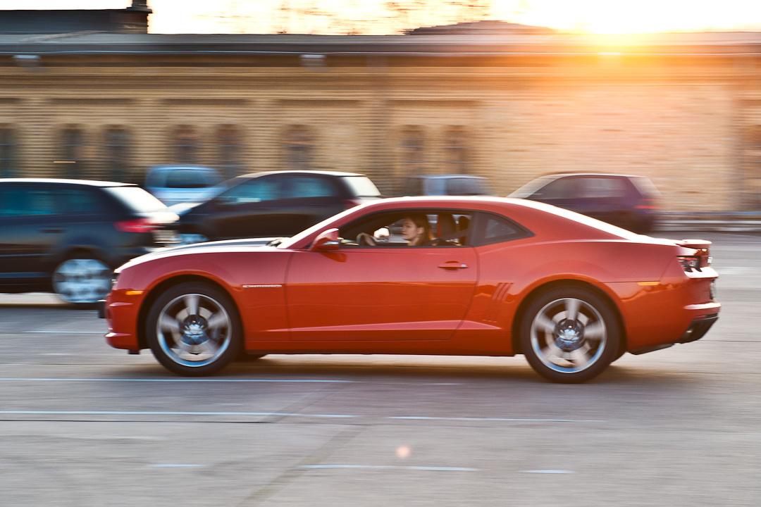 2012-chevrolet-camaro-coupe-v8-bigblock-inferno-orange-003
