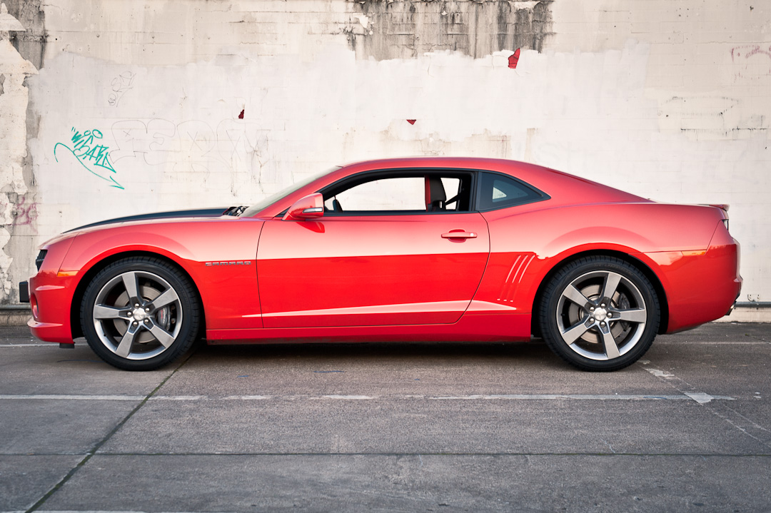 2012-chevrolet-camaro-coupe-v8-bigblock-inferno-orange-005