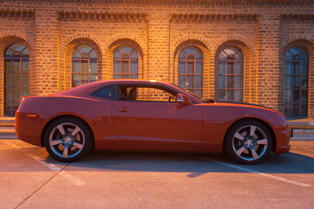 2012-chevrolet-camaro-coupe-v8-bigblock-inferno-orange-009