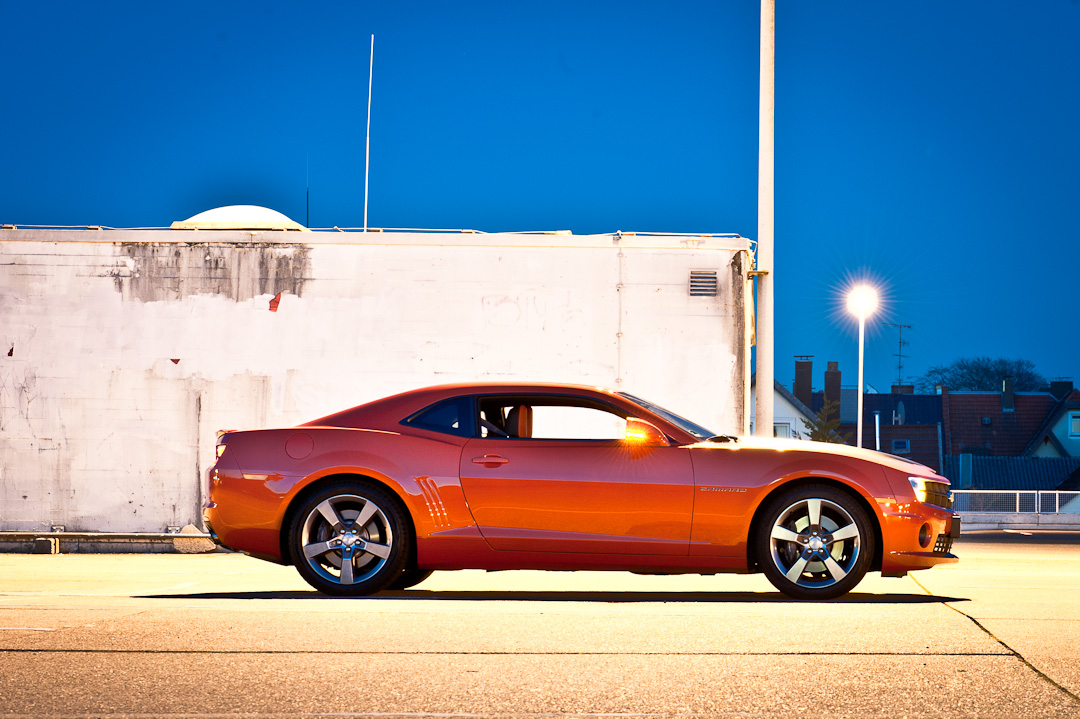 2012-chevrolet-camaro-coupe-v8-bigblock-inferno-orange-012