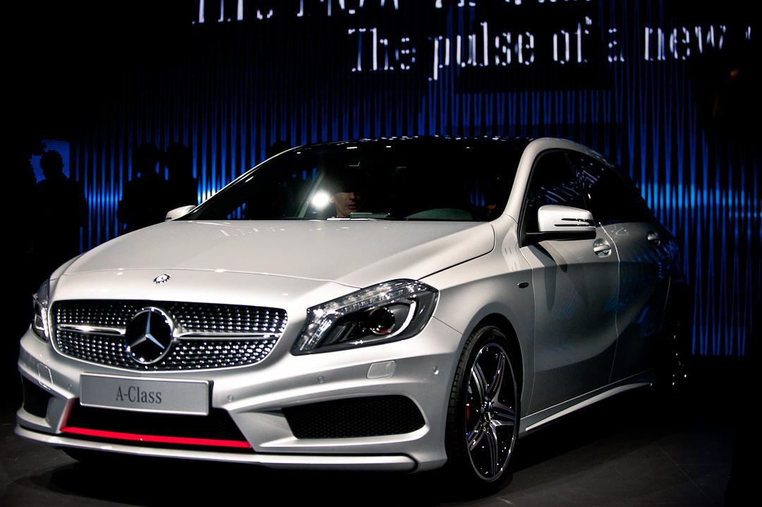 Weltpremiere mercedes benz a klasse w176 beim auto for Mercedes salon