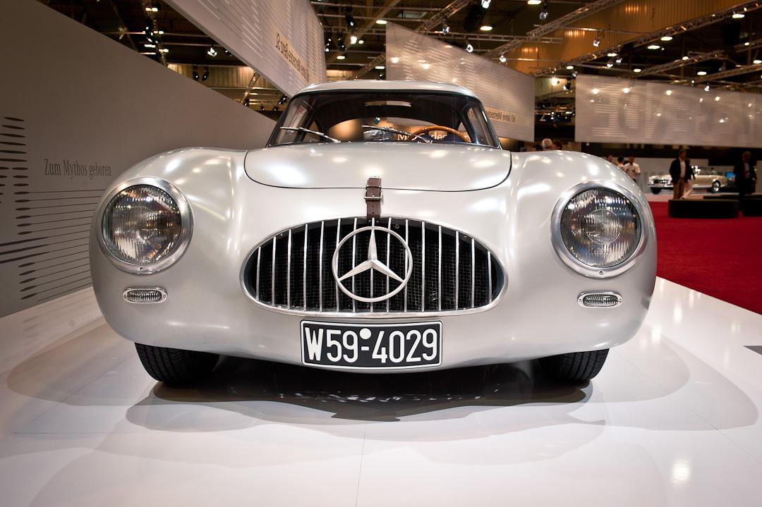 Mercedes-Benz-Stand-2012-techno-classica-essen-034