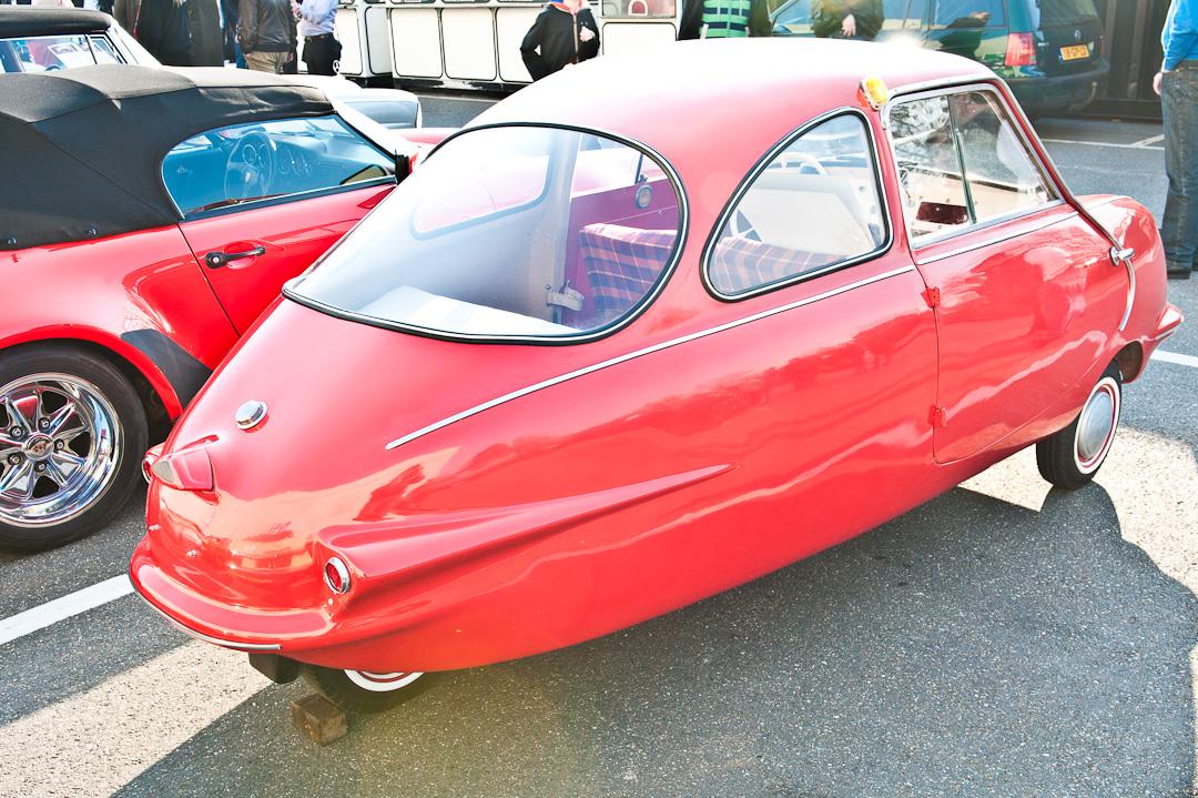 techno-classica-2012-fuldamobil-005