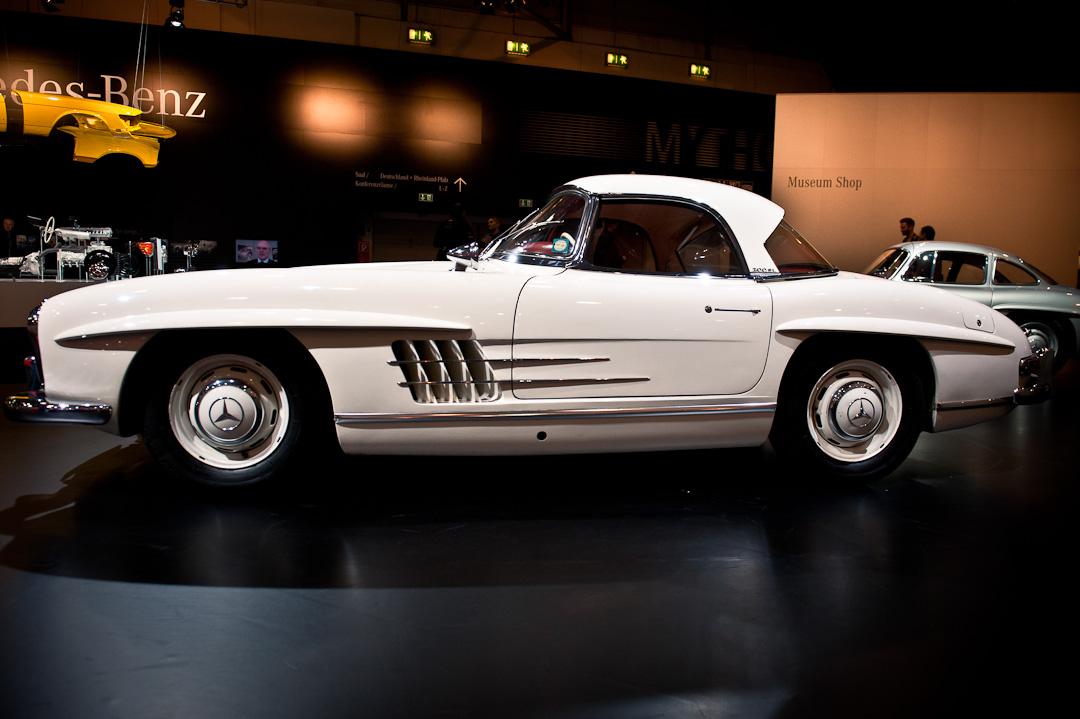 Mercedes-Benz-Stand-2012-techno-classica-essen-008