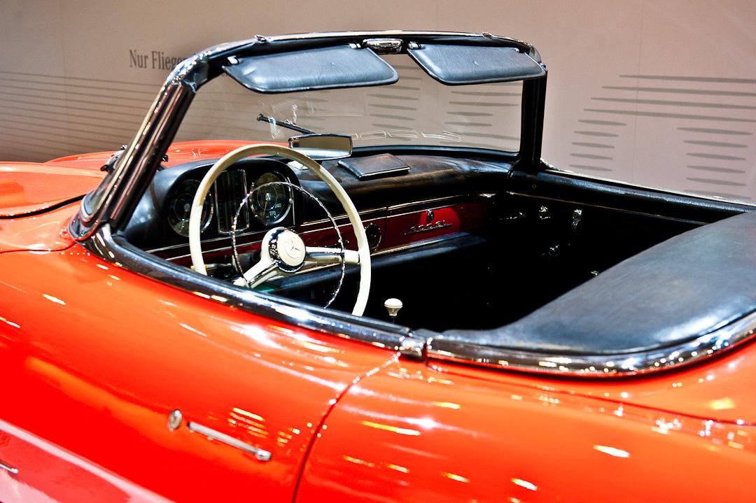 Mercedes-Benz-Stand-2012-techno-classica-essen-023