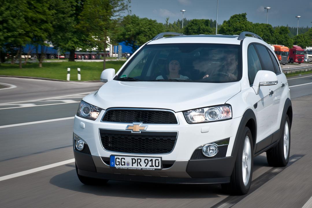 2012-Chrevrolet-Captiva-LTZ-2.2Diesel-AT-Grau-002