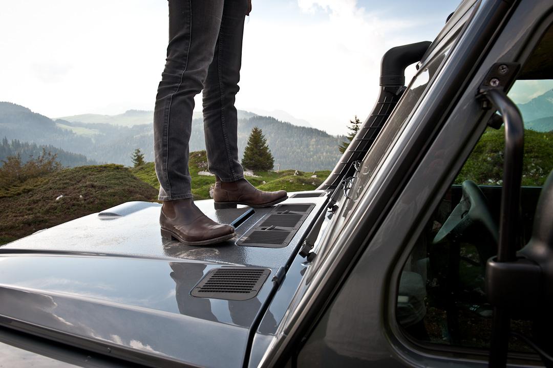 2012-Mercedes-Benz-G-Professional-Pur-004