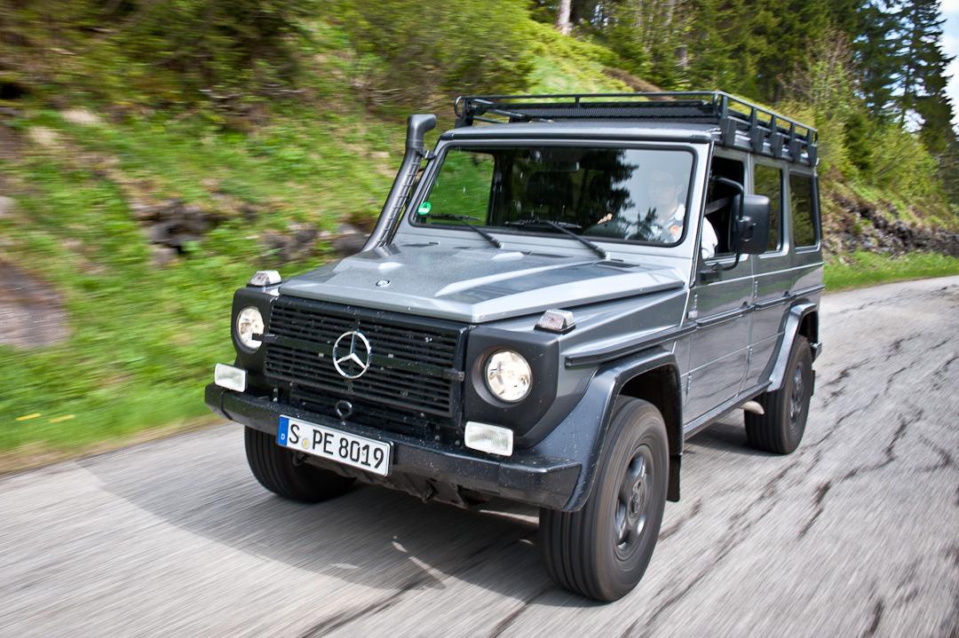 2012-Mercedes-Benz-G-Professional-Pur-013