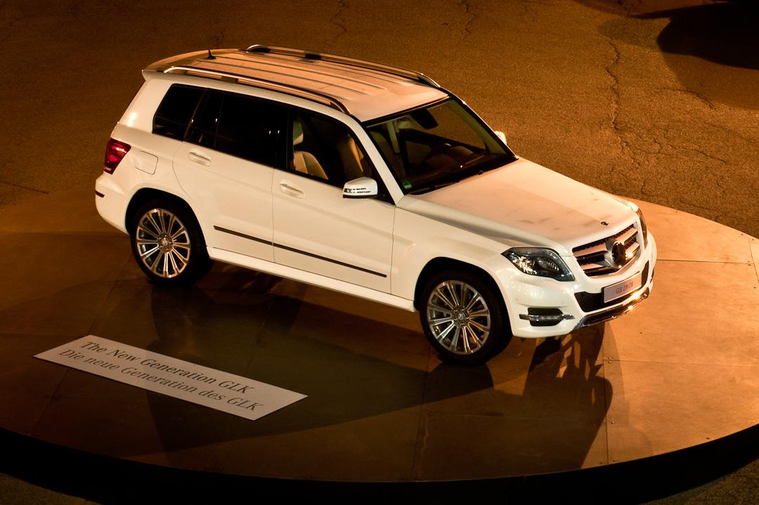 2012-Mercedes-Benz-GLK-X204-001