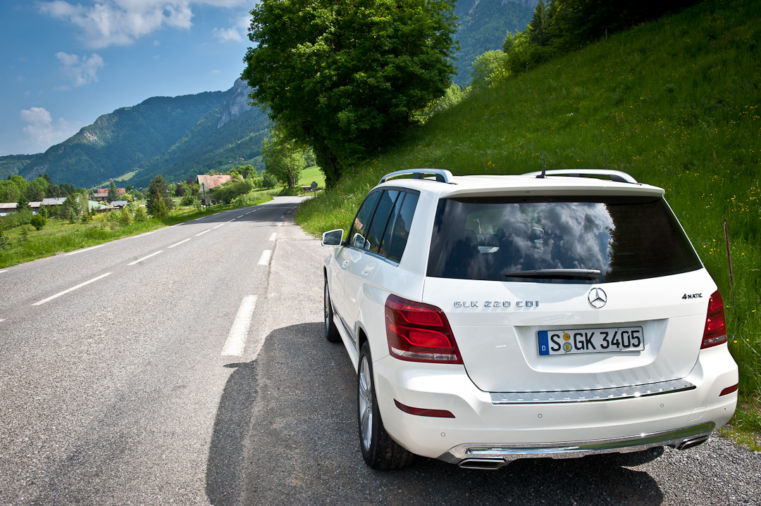 2012-Mercedes-Benz-GLK-X204-003
