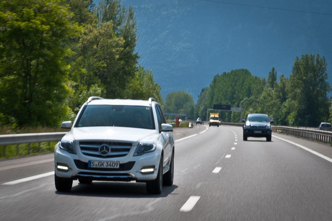 2012-Mercedes-Benz-GLK-X204-005