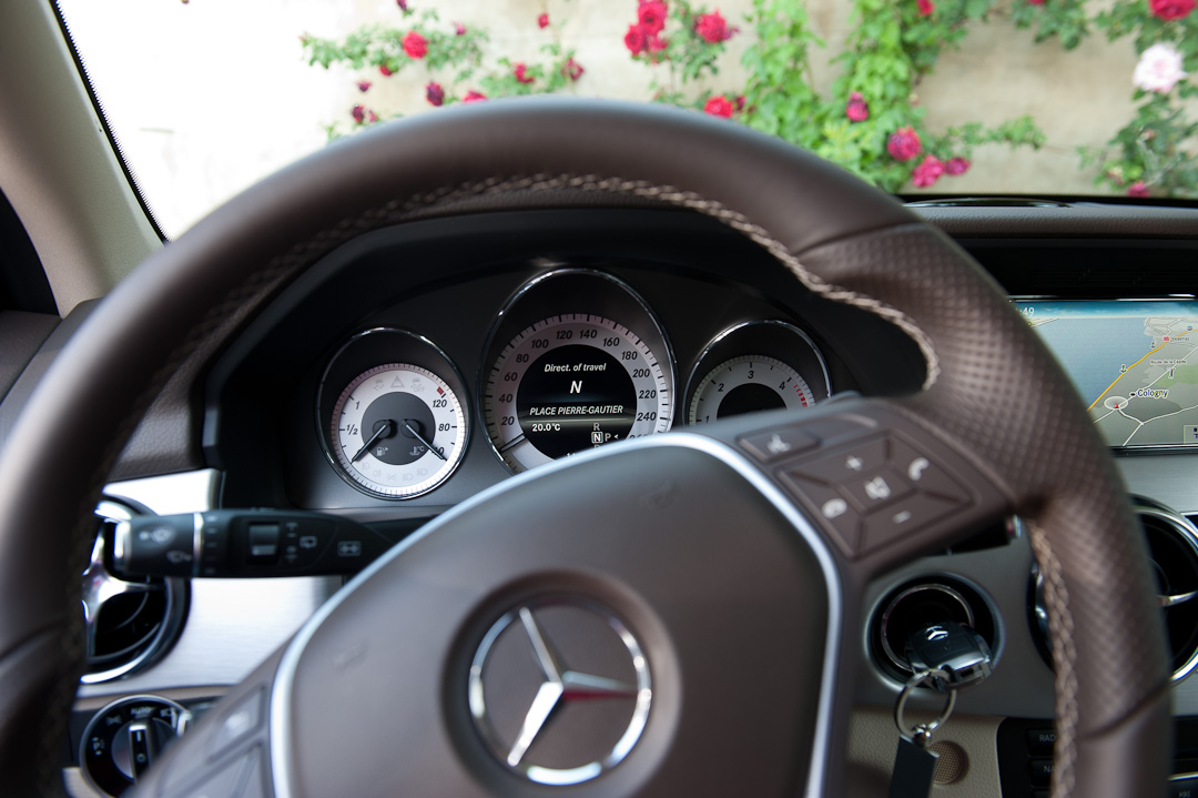 2012-Mercedes-Benz-GLK-X204-008