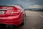 2012-mercedes-benz-c-63-amg-coupe-rot-c204-006