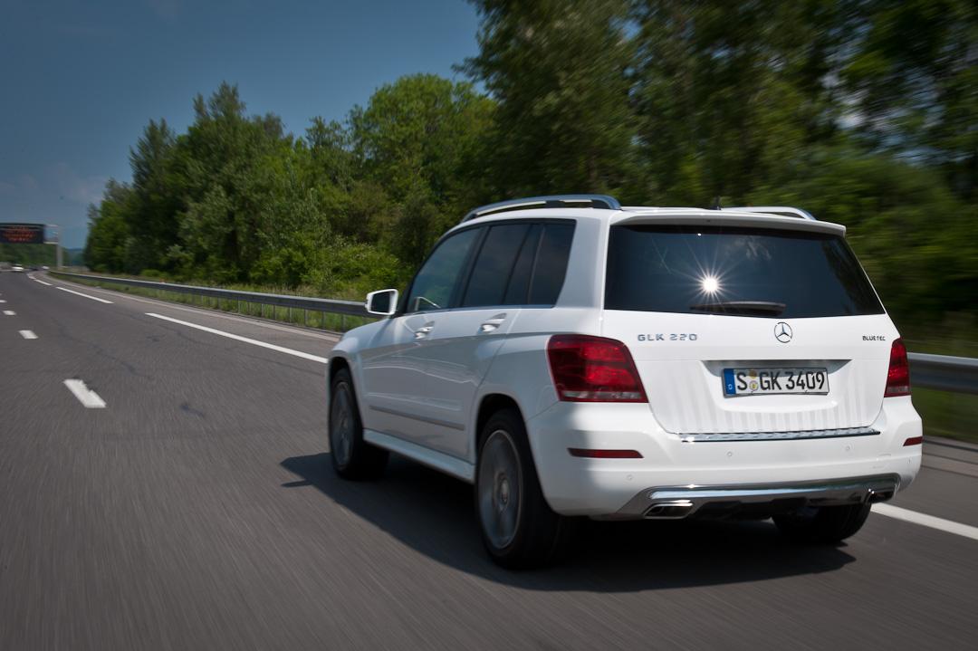 2012-Mercedes-Benz-GLK-X204-007