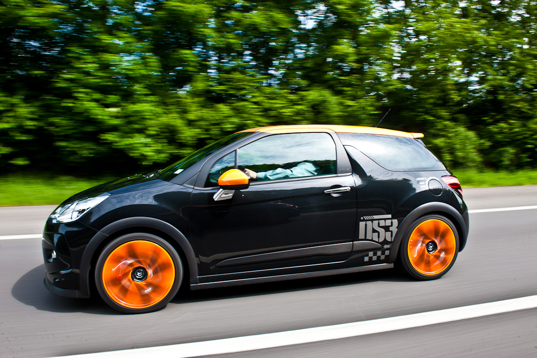 2012-citroen-ds3-racing-sport-schwarz-orange-002