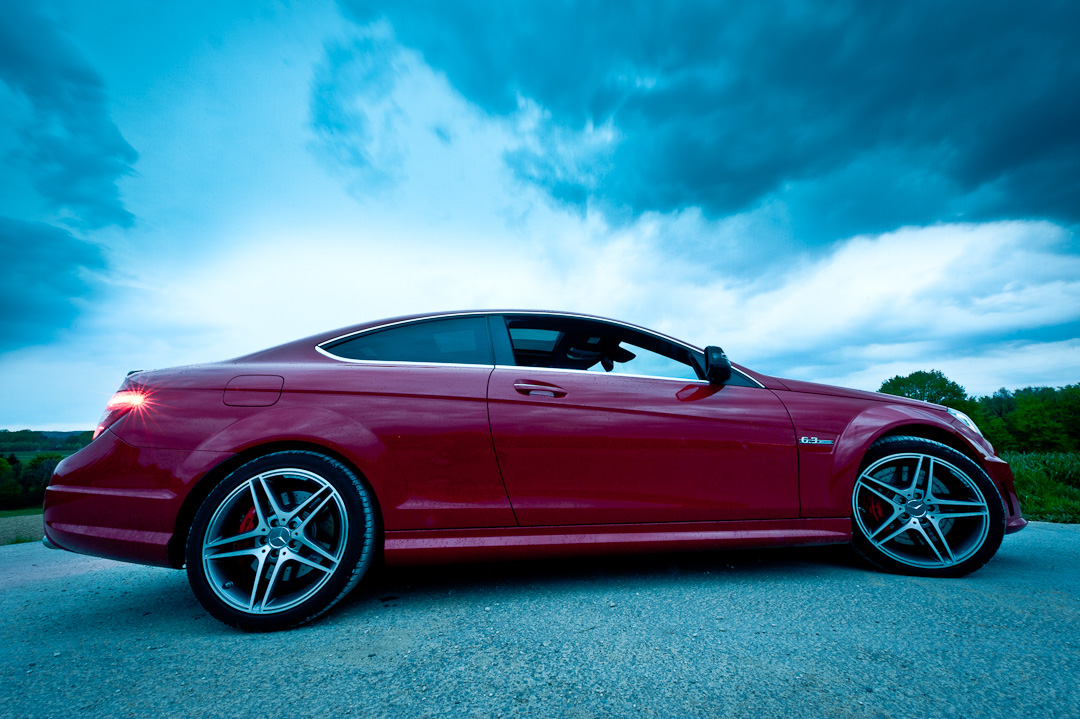 2012-mercedes-benz-c-63-amg-coupe-rot-c204-016