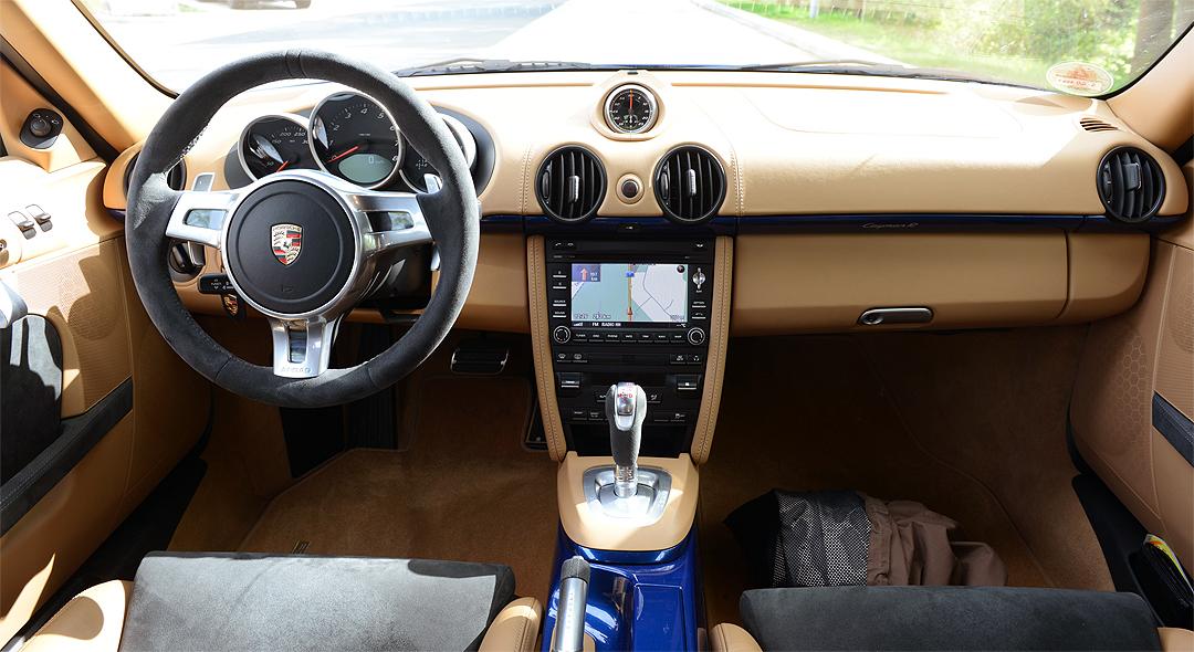Innenraum-Porsche-Cayman-R